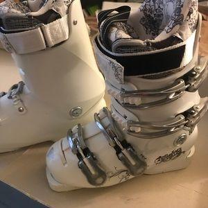 Roxy ski boots 23.5